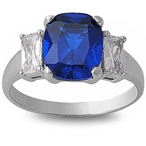 9.2.5 Amazing blue and white sapphire cocktail ring size 7