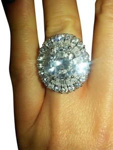 9.2.5 stunning giant white topaz royal queen cocktail ring. size 9