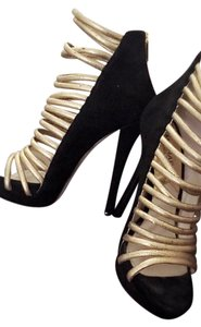 Michael Kors Gold and black Pumps