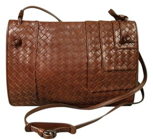 Bottega Veneta New Opening Inside Suede Lined Magnetic Snap Close Cross Body Bag