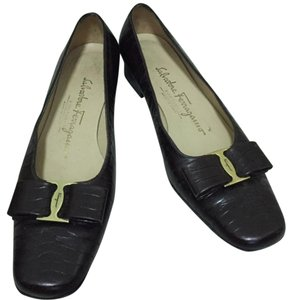 Salvatore Ferragamo Designer Brown Flats
