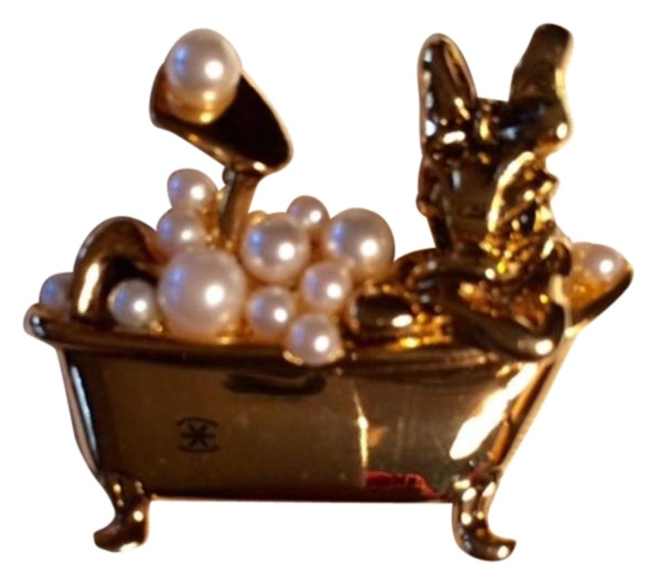 Disney Gold Daisy Perched In A Bathtub with Pearl Bubbles - Tradesy