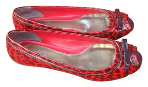Linea Paolo Animal Print Peep Toe Nordstroms Vintage Inspired Size 11 Red/Black Flats