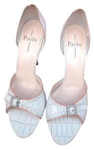 Linea Paolo Retro Wedding Feminine Alligator Embossed Spring White with Pink Accent Pumps