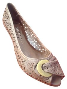 Bronx Leather Cutout Detail Adorable Brown Flats