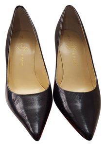 Ivanka Trump Leather Leather Black Pumps
