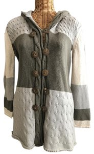 Hooded Pockets Wood Buttons Cardigan