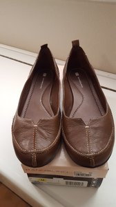 Bandolino Leather Comfortable Brown Flats