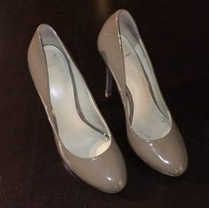 B Brian Atwood Nude Pumps