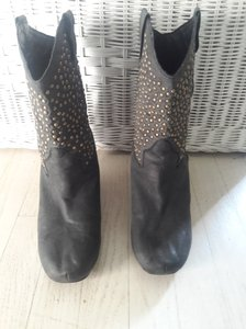 Jeffrey Campbell Size 9.5 Leather Studs Dark Grey Boots