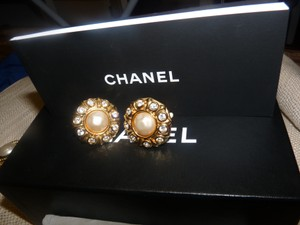 Chanel 100% AUTHENTIC CHANEL VINTAGES EARRING