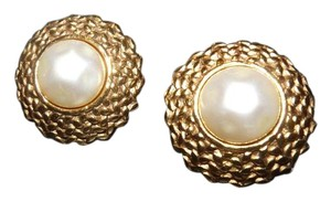 Chanel 100% AUTHENTIC CHANEL VINTAGES EARRINGS