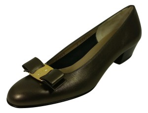 Salvatore Ferragamo Vara Low Vara Vara Bow Near Mint Cond. Ships In 24 Hours Pewter Pumps