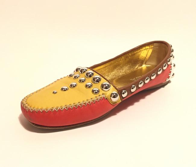 Item - Red Yellow White Tri Color Studded Mules/Slides Size US 7 Regular (M, B)