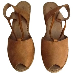 Andre Assous Shoe Wedge Shoe Tan with rope Wedges