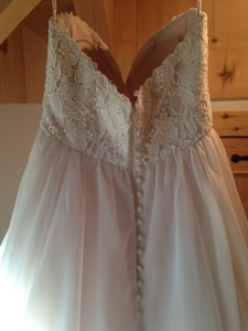 Essense Of Australia D1702 Wedding Dress