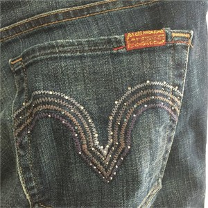Seven Jeans with crystal pockets size 32 never worn Skinny Jeans