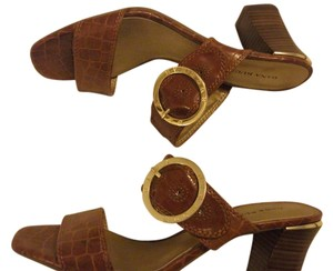 Dana Buchman Buckled Strap Size 9 Sandals Casual brown Formal
