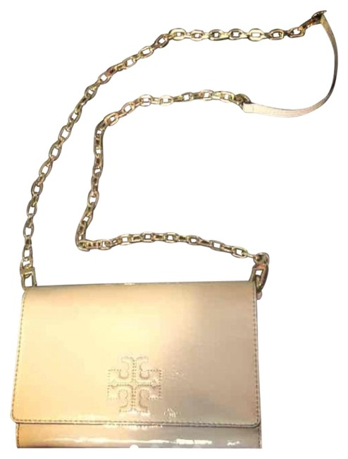 Item - Charlie Flat Wallet Nude Patent Leather Cross Body Bag