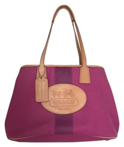Coach Tote in Magenta / Purple