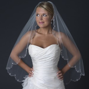 Elegance By Carbonneau Floral Beaded Scalloped Edge Wedding Bridal Veil V 2571 1f