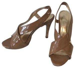 Sam & Libby Beige Pumps