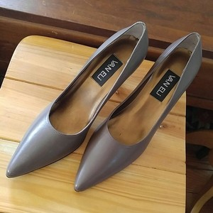 Vaneli Narrow Heel Taupe Tan Beige Pumps