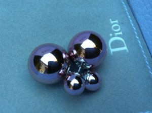 Dior Christian Dior Mise En Dior Tribal Tee Shirt Metallic Metal Pink Pearl Earrings