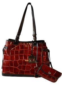 Dooney & Bourke Tote in Burgundy and brown