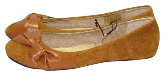 Preload https://item5.tradesy.com/images/chatties-light-brown-new-56-flats-size-us-55-200169-0-0.jpg?width=440&height=440