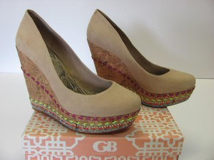 Gianni Bini New Size 10.00 M Suede Leather Excellent Condition Neutral, Platforms