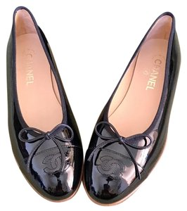 Chanel Classic 2017 Limited Edition Rare Patent Leather Flats