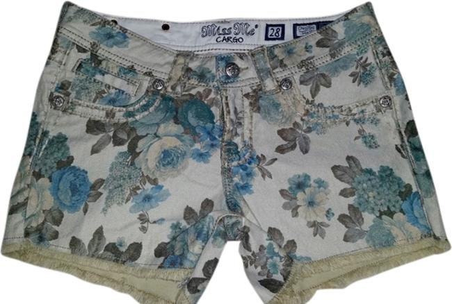Preload https://item1.tradesy.com/images/miss-me-flower-print-cut-off-shorts-size-6-s-28-2001995-0-0.jpg?width=400&height=650
