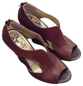 Seychelles Brown Wedges