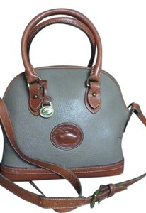 Dooney & Bourke Satchel in Tan / brown