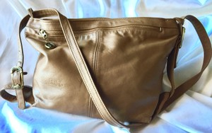 Stone Mountain Accessories Vintage Leather Brown Shoulder Bag