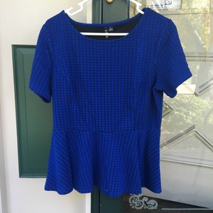 Elle Top Black and blue