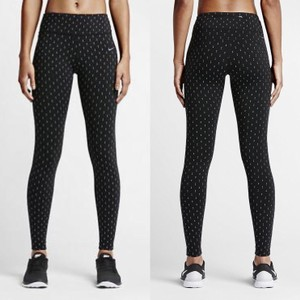 Nike Women's Nike Epic Lux Tight Fit Leggings Style/Color: 687012-010