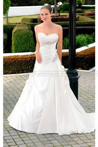 Essense Of Australia D1218 Wedding Dress