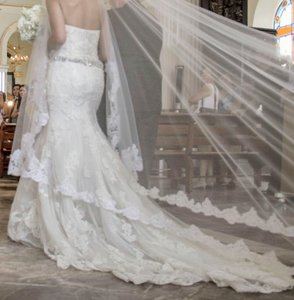 Enzoani Mermaid Style Wedding Dress
