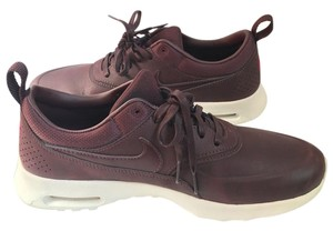 Nike Rare Mahogany Athletic