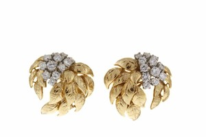 Sprintzer and Fuhrman 18K gold 2 cts diamond post/clip earrings.