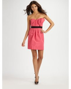 BCBGMAXAZRIA Strapless Contrast Belted Pleated Dress