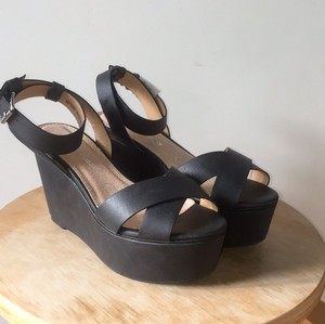 Deena & Ozzy Platform Leather Black Wedges