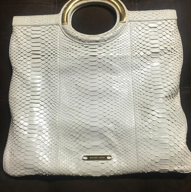 Item - Runway White Leather Clutch