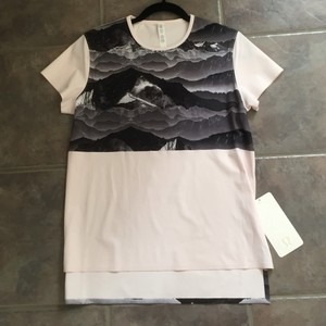 Lululemon T Shirt