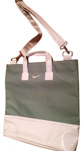 Nike Tote in light green/white