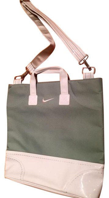 Item - Zipped Top Light Green/White Canvas Tote