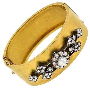 ,18k,Yellow,Gold,Diamonds,Flowers,Bracelets
