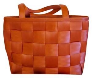 Harveys Seatbelt Coral Medium 50s Contemporary Modern Tote in Soft Coral